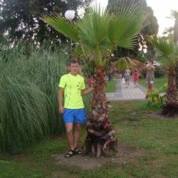 Молодой парень ищет партнершу для хорошего секса в Тольятти.