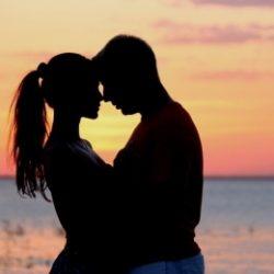 Пара ищет девушку в Тольятти для секса втроем