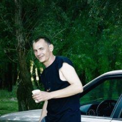 Парень ищет девушку, женщину в Тольятти. Практически любые прихоти!
