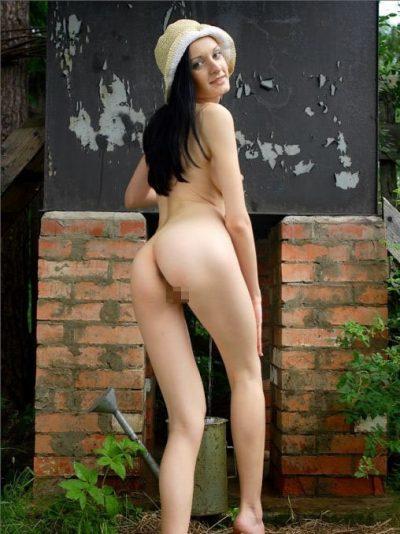 Девушке очень скучно в Тольятти и очень не хватает секса