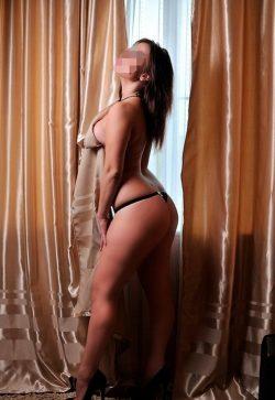 Молодая симпатичная девушка ищет состоятельного мужчину в Тольятти.