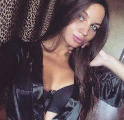 Красивая молодая блондинка познакомится для частых встреч в Тольятти